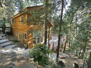 Yosemite National Park house rental - Welcome to the Hummingbird Raven House!