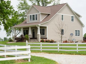 Indianapolis farmhouse rental - Welcome to peaceful life on the farm... a relaxing getaway for the whole family.