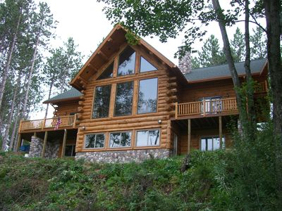 Magnificent Edgetts Lodge on Pine River Sleeps 23+ in Luxury