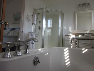 Edgartown cottage photo - Master bathroom