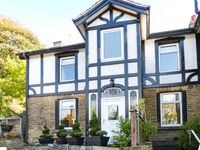 MAGPIE COTTAGE, family friendly in Holmfirth, Ref 916590