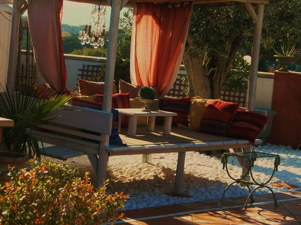 House, 160 square meters, close to the beach