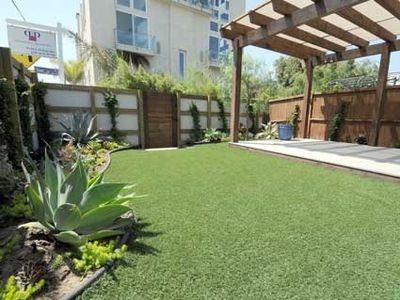 Marina del Rey house rental - Backyard garden area