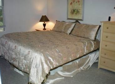 Comfortable King size bed for a good night's sleep