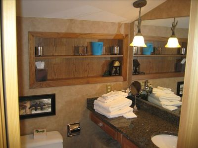 Loft Full Bathroom