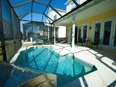 Reunion house rental - Sunny pool area