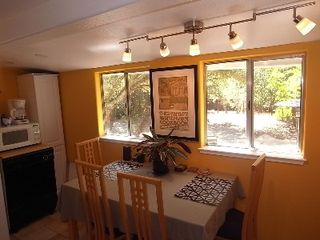 Glen Ellen cottage photo - The Breakfast Nook in the Kitchen