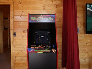 Wears Valley cabin photo - Smoky Mountain 3 Bedroom Cabin: Arcade Machine with 60 Video Games