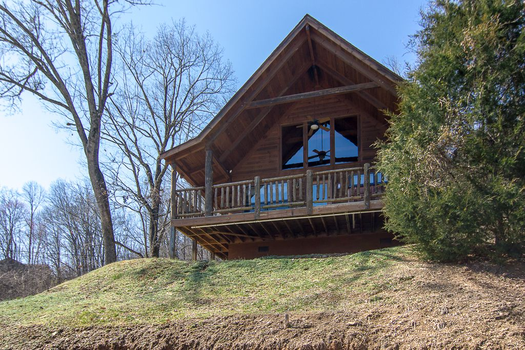 Private affair 1br sleeps 4 pet friendly 5 vrbo for 1 bedroom pet friendly cabins in gatlinburg tn