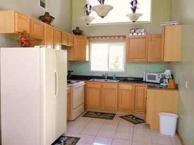 Green Turtle Cay house rental - upstairs kitchen