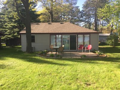 Jenga Haus... Cozy Cottage on the water.. Take in the beauty of Autumn in WI