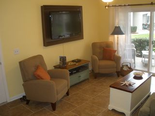 St. Simons Island condo photo - Two recliners and 46 inch flat screen with Blueray player and movie collection.