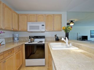 Pacific Beach condo photo - Fully equipped kitchen