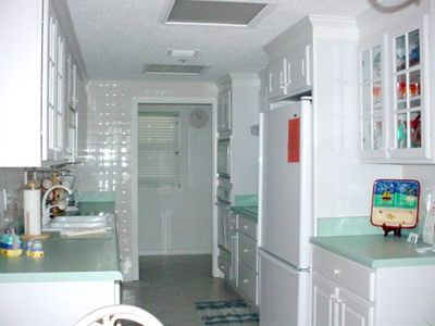Fully Equipped Gourmet Kitchen &  Laundry Room w/full sized washer  & dryer