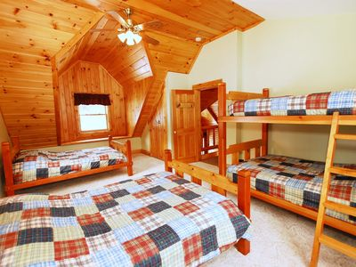 Bridgewater Corners cabin rental - Dear Crossing bedroom also has four double size bedrooms