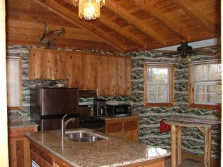 Blue Ridge cabin photo - Completely Remodeled Kitchen with Granite counters and table