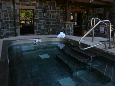 Capital Peak Lodge Hot Tub