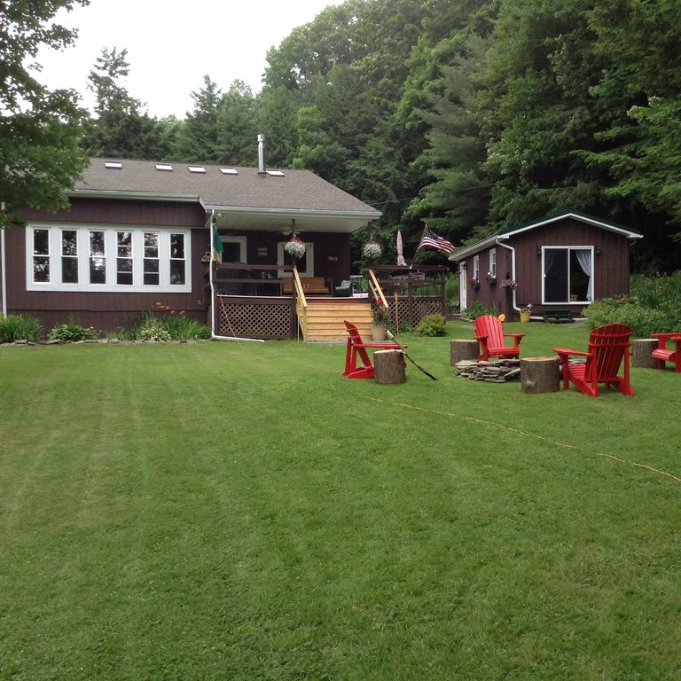 Lake front house 3 bedroom 2 baths private setting with separate guesthouse
