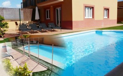 Corralejo villa rental - Pool shown with & without safety fence