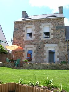 Rental of the port of Loguivy of fisherman house sea