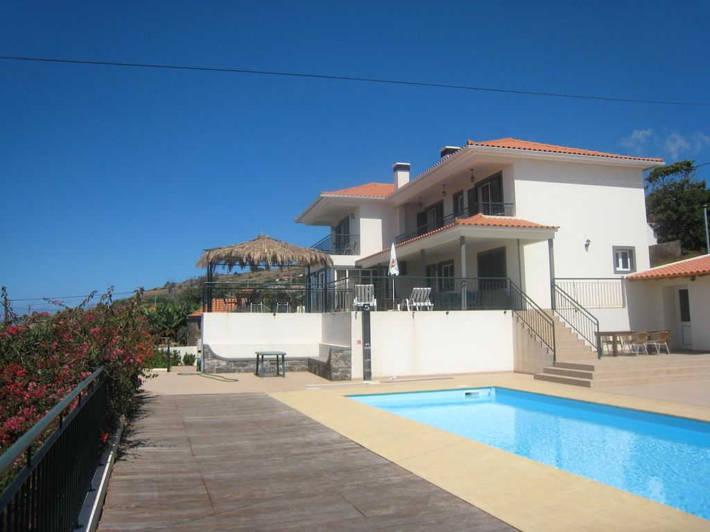Luxury house, near the beach, recommended by travellers !