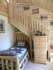 Grand Canyon cabin photo - Twin bedroom with loft stairs
