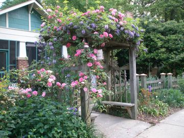 Atlanta bungalow rental - Spring at the Virginia Highland Hideaway