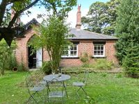 BOUSDALE COTTAGE, pet friendly in Guisborough, Ref 25855