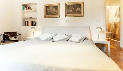 Piazza Navona apartment rental - View of the main double bedroom