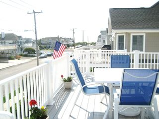 Avalon house photo - large deck- 1 block to beach