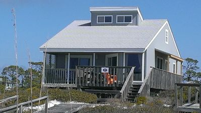 Charming Gulf Front cottage, pet friendly,  sleeps 6, updated, low rates