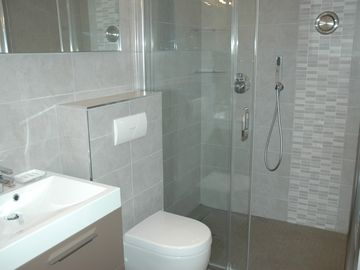 New moderne shower room 01.06.2012