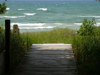 Stony Lake cottage photo - Walkway to beach