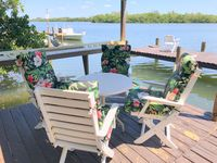 Bayfront Home, Private Dock, 6 Kayaks, canoe, paddle boards, WiFi, pet friendly