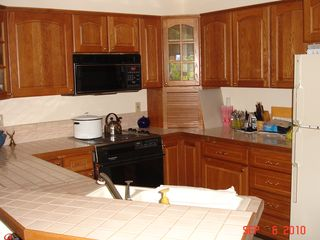 Kalama house photo - Modern Kitchen ready for your favorite meal!