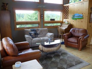 Lake of the Woods cabin photo - Leather comfort
