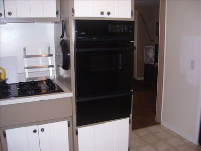 Gas stove, dishwasher.