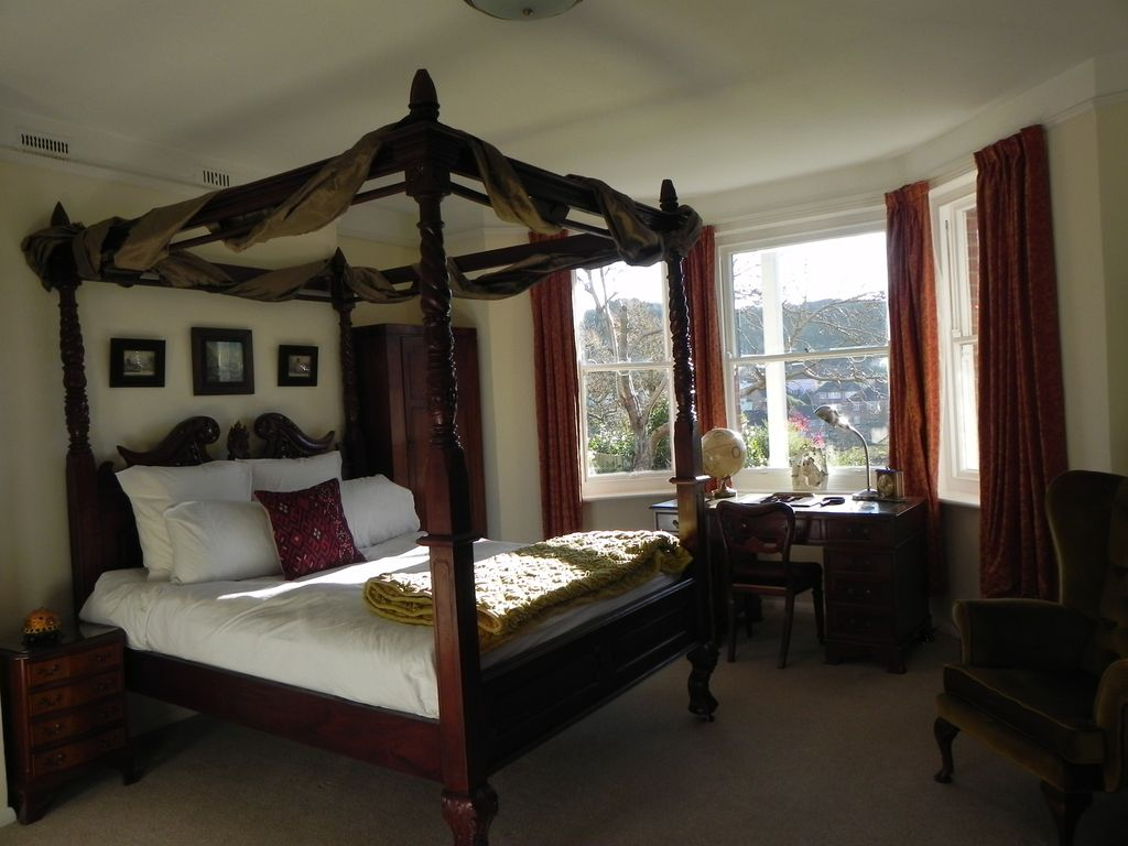 Luxury Apartment Above Hastings Old Town Vrbo