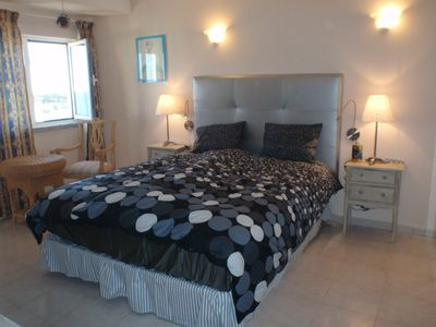Large bedroom with SAT-TV