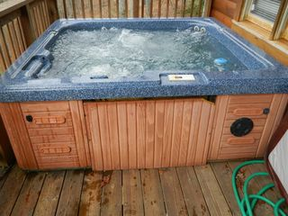 Pigeon Forge cabin photo - Hot Tub on Lower Deck