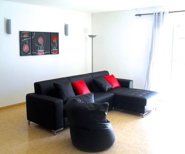 Central redecorated apartment a few meters from the beach