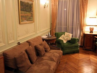 8th Arrondissement Champs Elysees apartment rental - Living room
