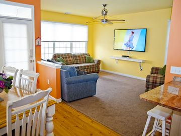 """Atlantic City house rental - Large Living Room with Plenty of Seating, Huge 70"""" LED HDTV with Free HD HBO!"""