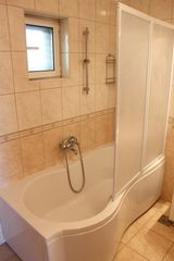 Ploce apartment photo - Easy access to the bathtub; great for children or the elderly