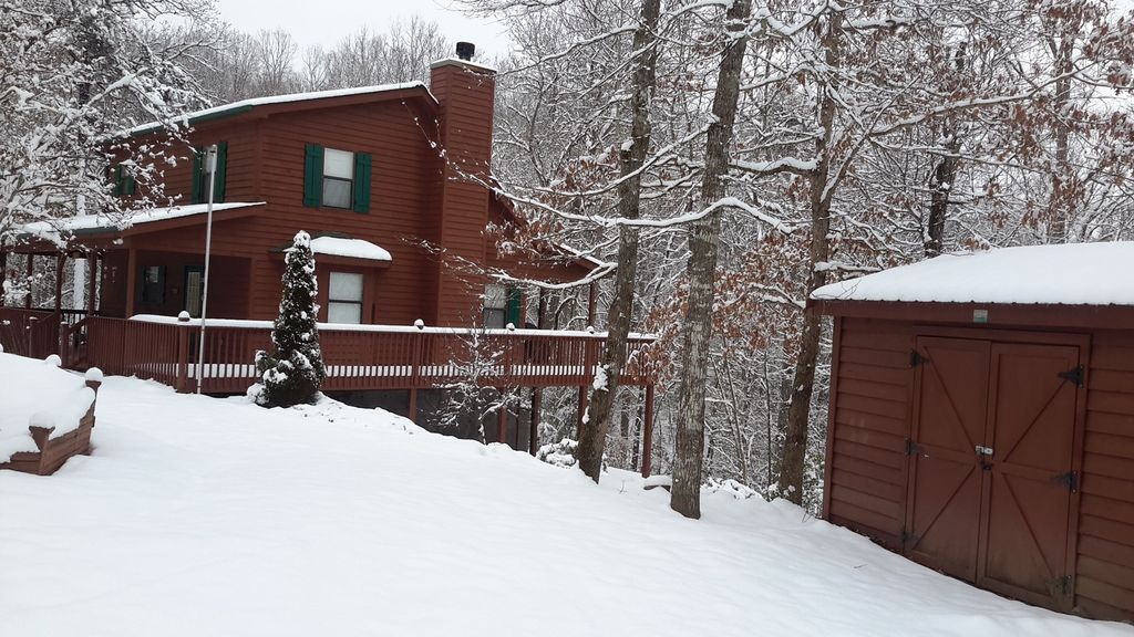 Justa cabin blue ridge mountains blairsville for 8 bedroom cabins in blue ridge ga