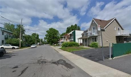 Check for Meuble montreal longueuil