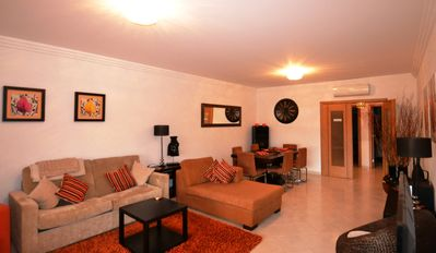 Luxury  2 bed apartment just 200mts from the Beach