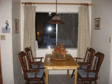 Dining room w/view of Redwood trees
