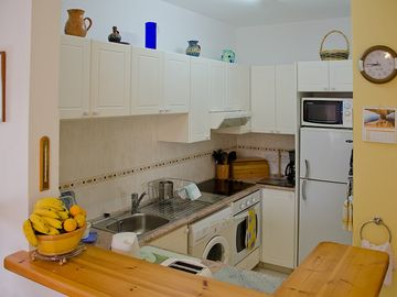 Kitchen area - 3-bedroomed apartment