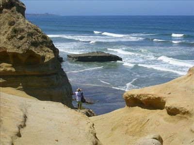 View of Flat Rock from Torrey Pines State Park Beach Trail